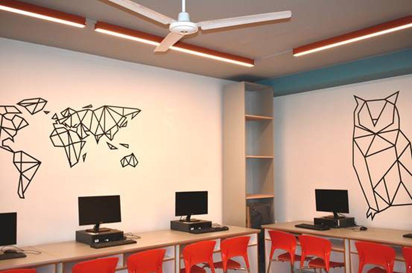 Μια αιθουσα Η/Υ σε δημοτικο σχολειο στη Θεσσαλονικη αναβαθμιζεται